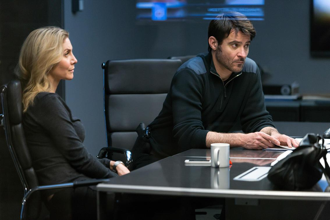 CROSSING LINES: Season 3Episode 305