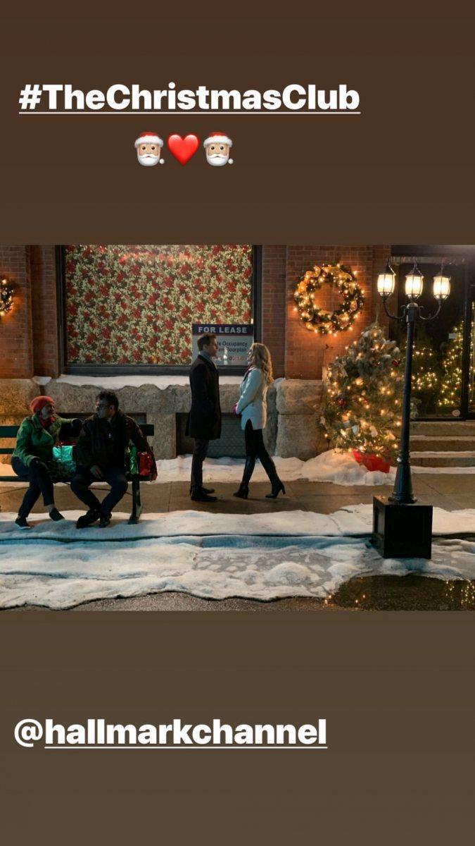 the_christmas_club_elizabeth_mitchell_002