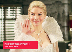 Elizabeth_Mitchell_OUAT_set_saying_hi